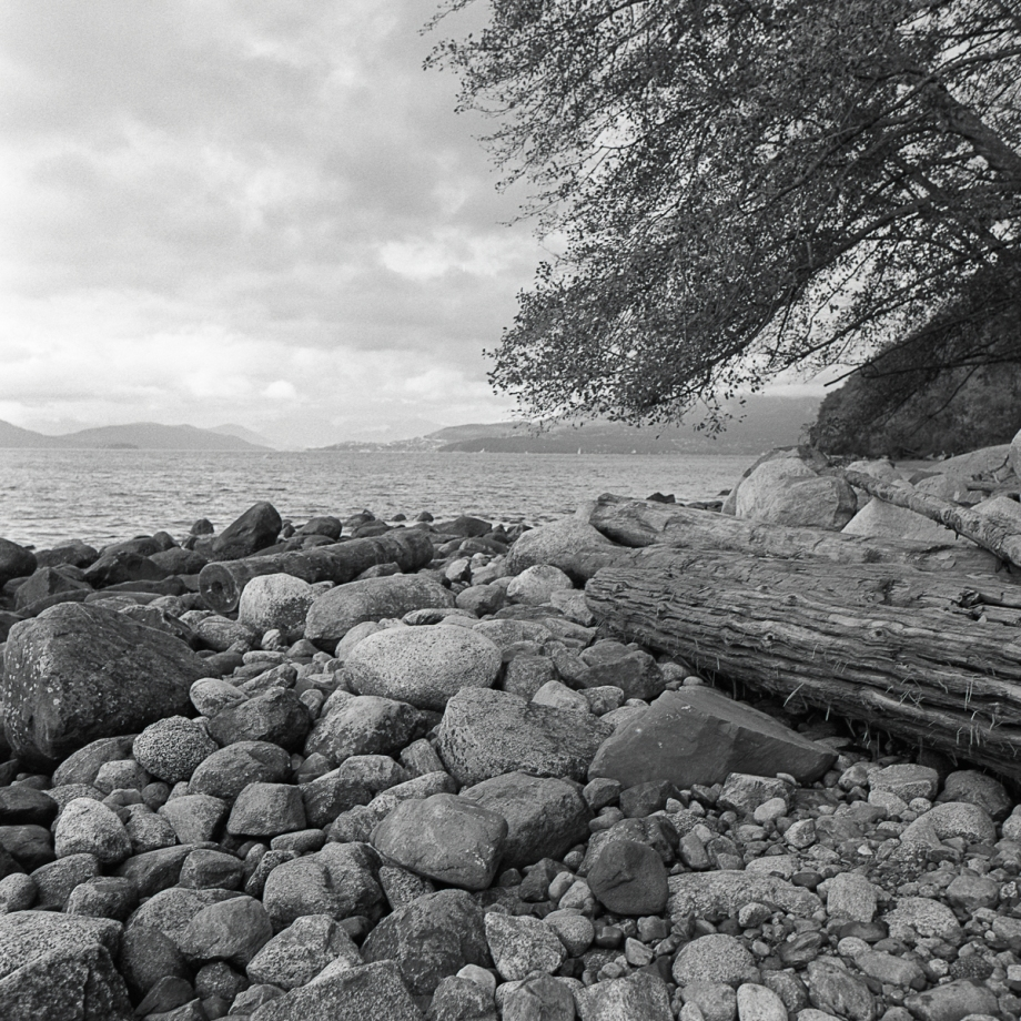 wreck-beach-400s008